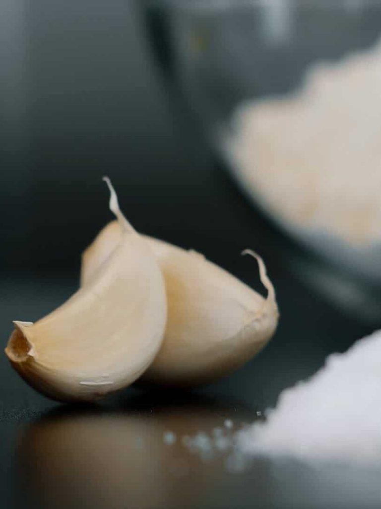 Zwei Knoblauchzehen und Salz, Rational AG, Foto Social Media Content, WINGMEN Media
