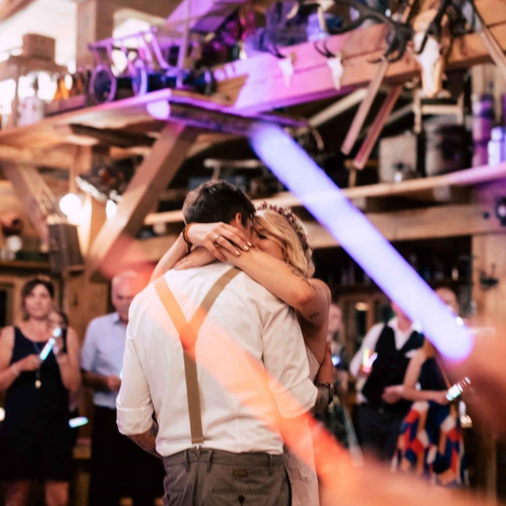Ein Hochzeitspaar beim Tanz, Event Fotografie, WINGMEN Media