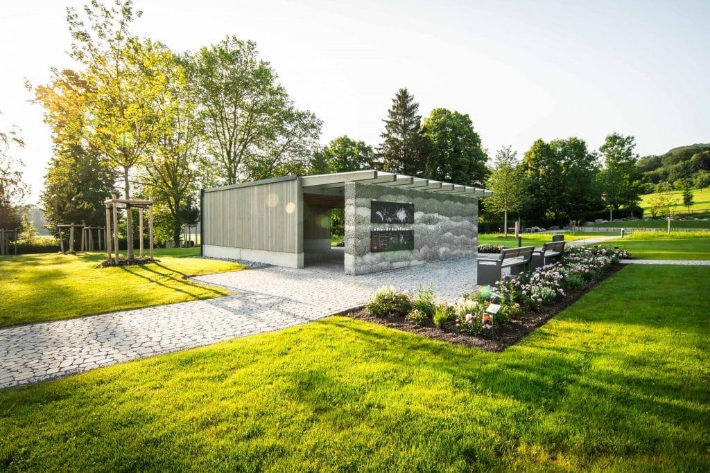 Aufnahme in einem Naturbestattungen Gedenkwald, fkz, Friedhofs-Kompetenz-Zentrum GmbH & Co. KG, Unternehmensfotografie, WINGMEN Media