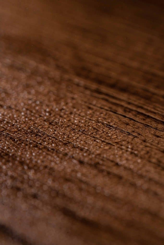 feuchtebeständiges Dekor mit Holzoptik, Schattdecor, Produktfotografie, WINGMEN Media